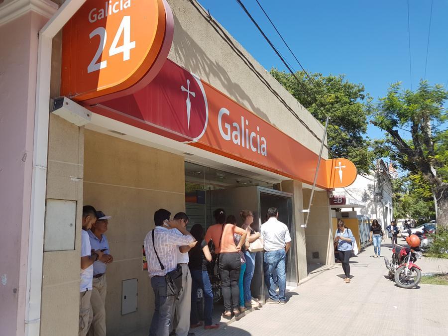Indignante desinter s del galicia con sus sufridos clientes for Banco galicia busca cajeros